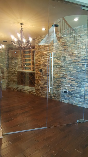 Architectural Glass Wine Cellars and Wine Racks